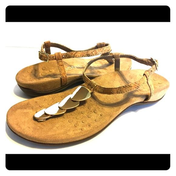 e0b84f6634a Vionic Miami Gold Cork T-Strap Sandals Size 9. M 5c035e87534ef9ad91ae234f